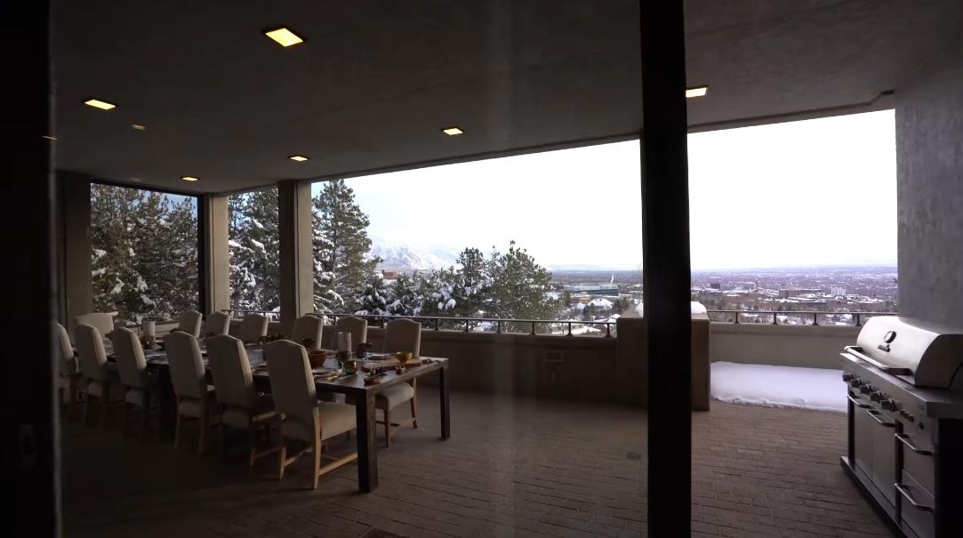 Tour 350 N Federal Heights Cir, Salt Lake City vs. 31 Interior Design Photos