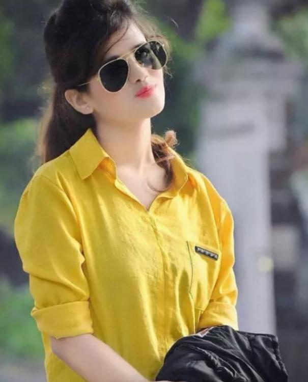 1075 Cute Whatsapp Dp Girl Images Photos Pics