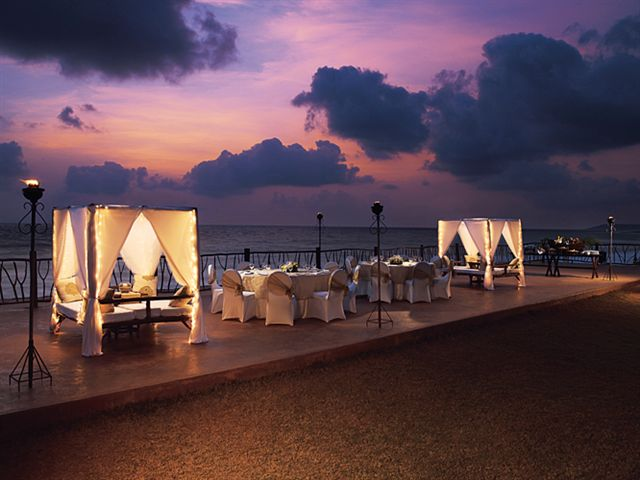 Standout Selection Of Great Sunset Beach Side Wedding Reception Decoration Ideas