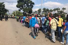 Colapso humanitario en el principal paso fronterizo con Colombia