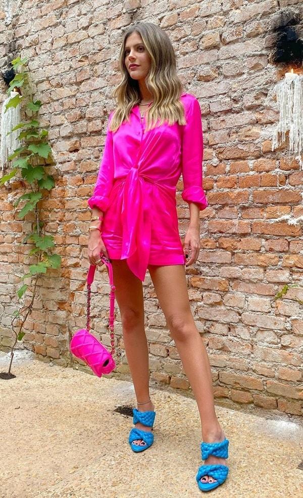 lala rudge look pink com  sandália azul