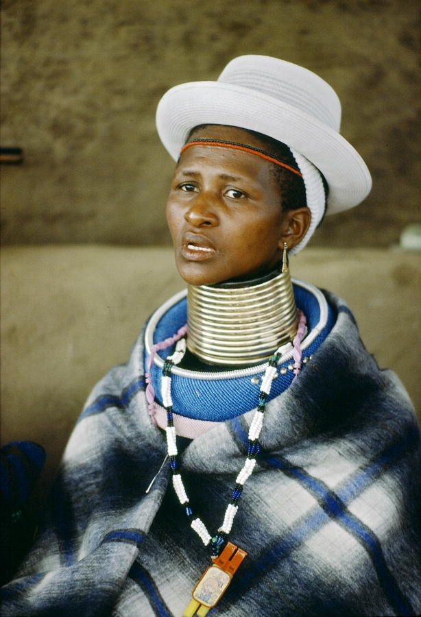 Idzila are Ndebele wives traditionally wear rings around the neck as a status symbol