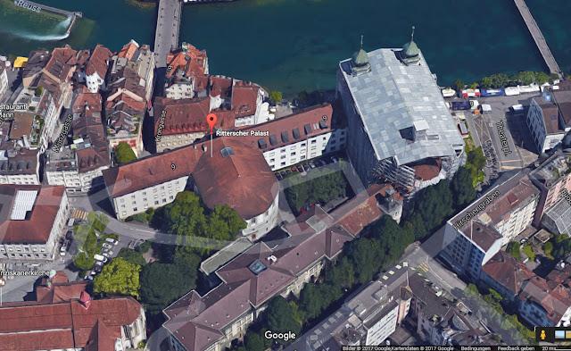 Ritterscher_Palast_mit_angebautem_halbrunden_Parlamentssaal_und_überdachtem_Innenhof_©_google_maps