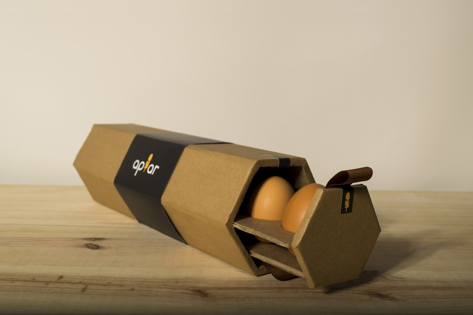 Apiar Eggs Student Project on Packaging of the World