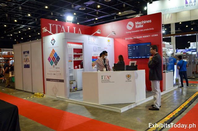 ITALIA exhibit booth