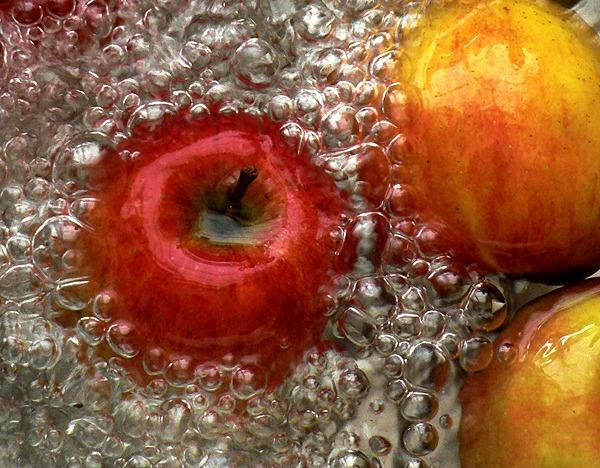 Σπιτικό σπρέι για απομάκρυνση φυτοφαρμάκων από φρούτα και λαχανικά