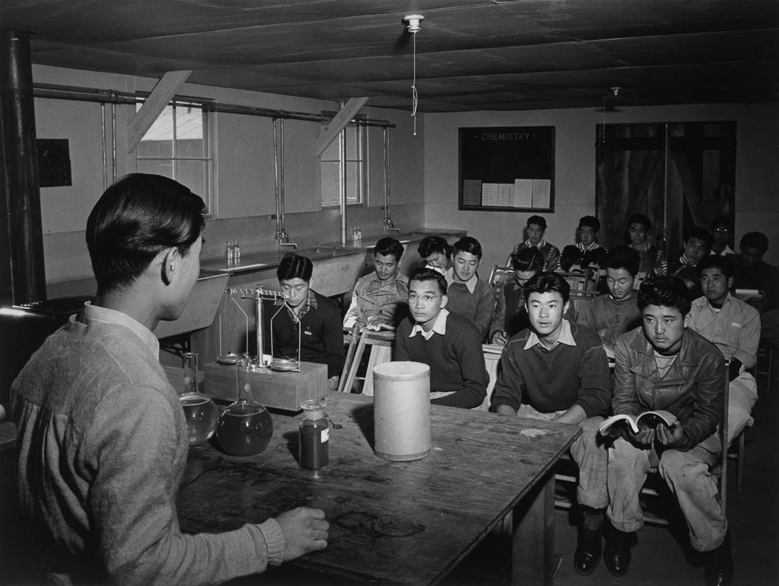 manzanar internment camp photographs