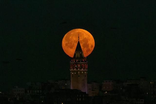 Eclipse Lunar Total de 31 de janeiro de 2018 - Istambul, Turquia, Emrah Yorulmaz