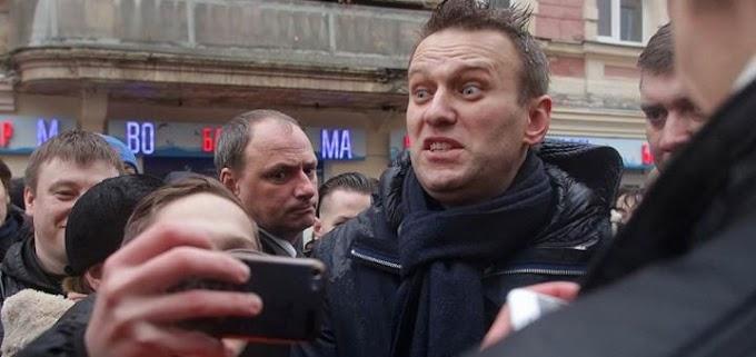 Навальный и гранты