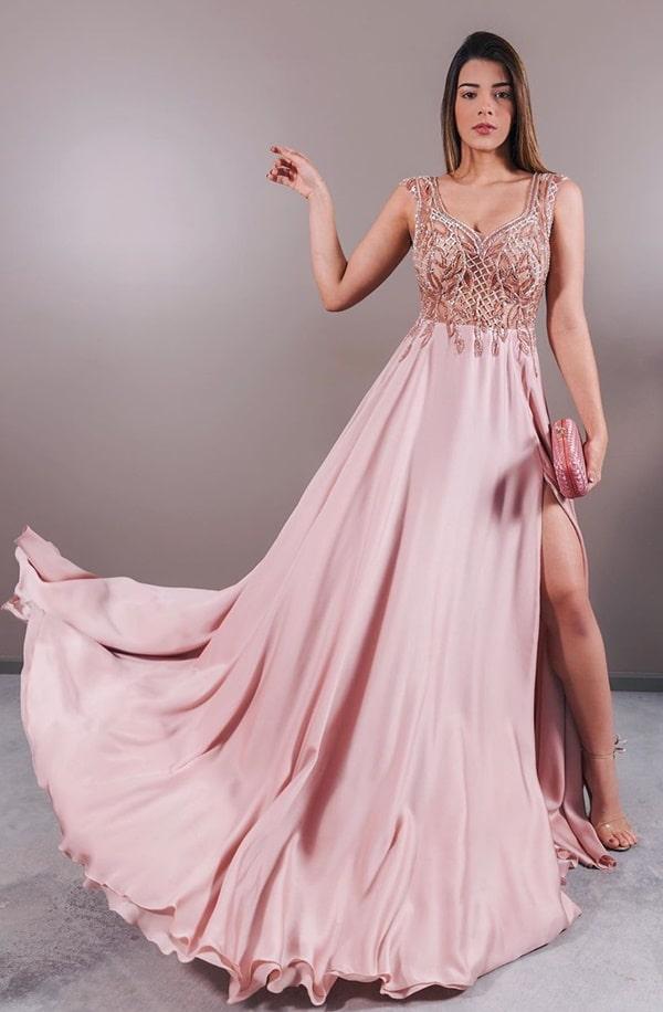 vestido longo rosa fluido para madrinha de casamento