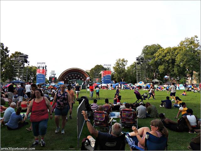 Zona de los Conciertos en la Esplanade de Boston durante el 4 de Julio