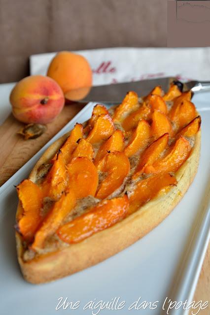 Tarte à l'abricot et crème de noisette