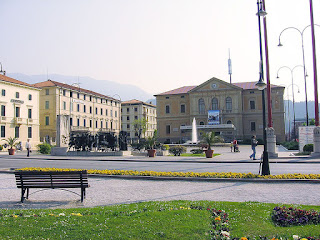 Vittorio Veneto's present day Piazza del Popolo, with the city's Municipio (Town Hall) in the background