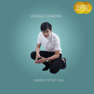 Lagu ini masih berupa single yang didistribusikan oleh label Shelino Lirik Lagu Angga Candra - Sampai Tutup Usia