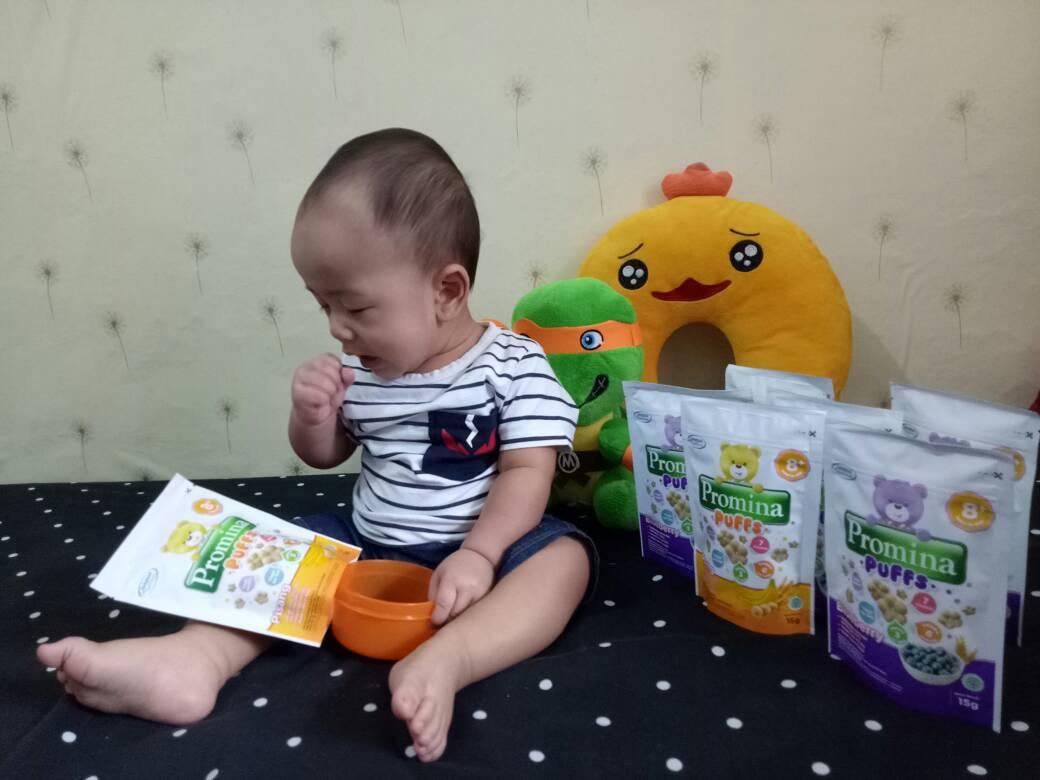 Promina Puffs Cemilan Yang Lumer Di Mulut Parenting Blogger Indonesia Puff Pisang Snack Bayi Oiya Selain Akbar Neng Marwah Juga Suka Loh Ngemil Kata Akbarnya Enak Banget Kalau Begitu Nanti Gajian Bua Beli Lagi Ah