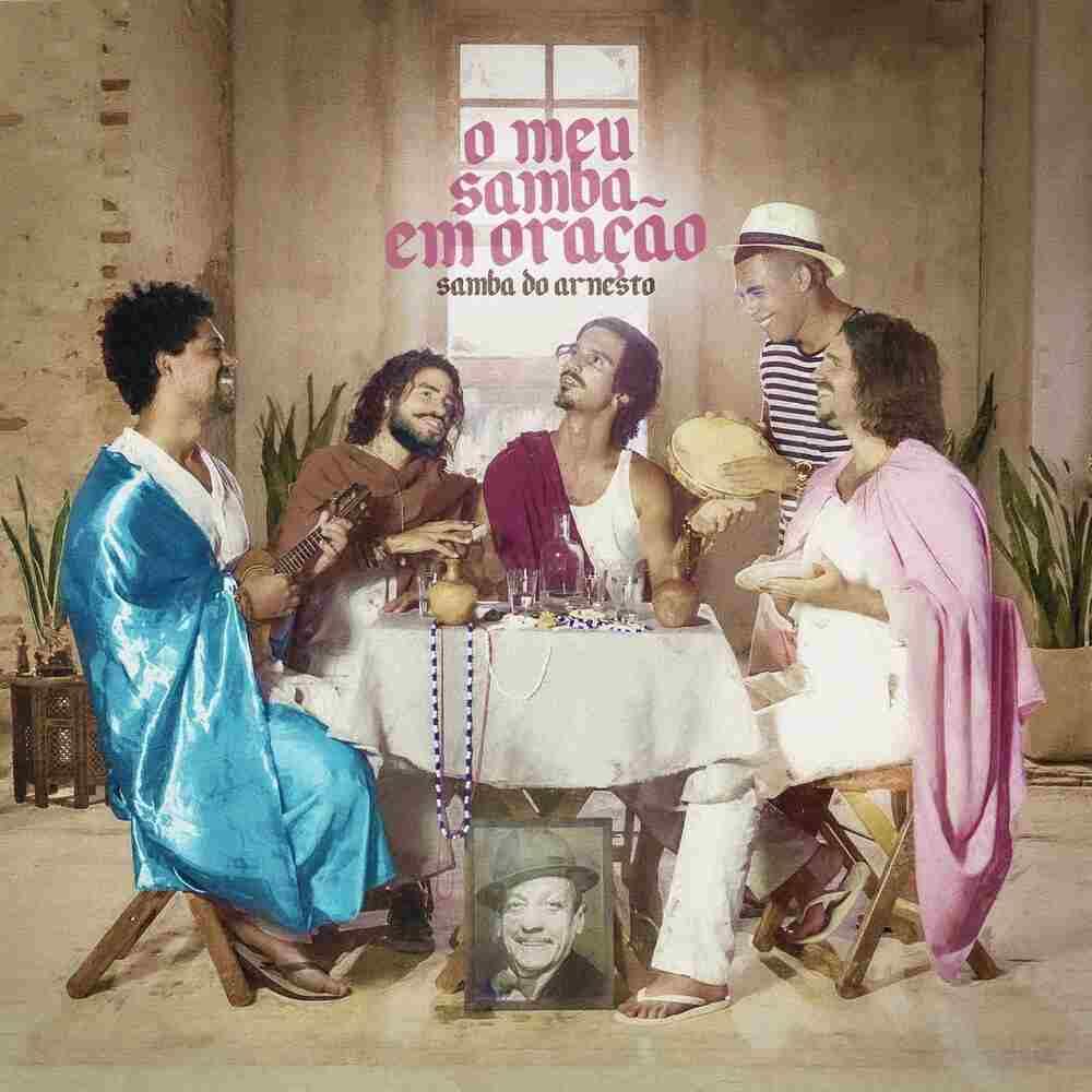 """O encontro de gerações presente na musicalidade do grupo Samba do Arnesto ganha destaque no single e clipe """"O meu samba em oração"""", contemplado pela Lei Aldir Blanc."""