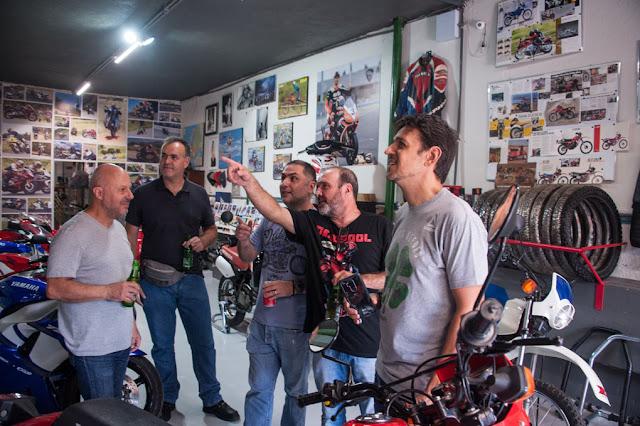 Enquanto o fotógrafo Mario Villaescusa apontava, Luiz Mingione, Marcelo Resende, Fabiano Godoy e seu sócio Fábio Caldeira