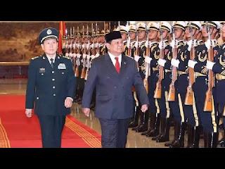 Prabowo Disambut Upacara Militer PLA   Prabowo Disambut Upacara Militer PLA