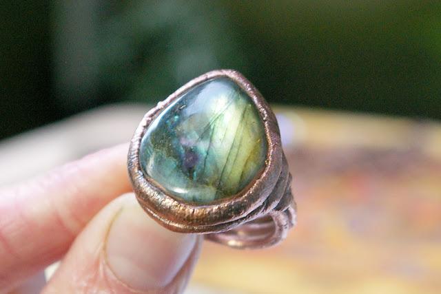 https://www.etsy.com/ca/listing/672172315/labradorite-teardrop-ring-electroformed