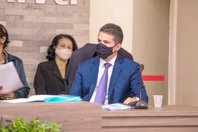 Paulinho propõe projeto de redução de salários dos vereadores, da prefeita, e do vice-prefeito de Escada, em 50% durante a pandemia
