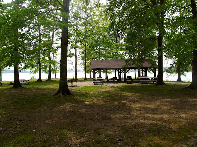 Picnicking / Shelter house - Monroe Lake