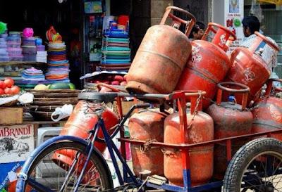 तेल कंपनियों की रसोई गैस सिलेंडर की ऑनलाईन बुकिंग और भुगतान पर पांच रूपये प्रति सिलेंडर छूट