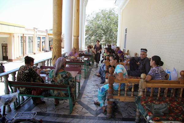 Ouzbékistan, Samarcande, tapshan, tapchane, chaïkhana, © L. Gigout, 2012