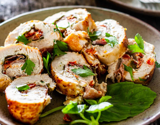 Cheese and Prosciutto Stuffed Chicken Breasts #dinner #lunch