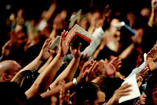 A importância de ir ao culto na Igreja.