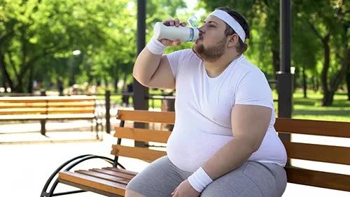 اذا كنت تتناول هذه المشروبات فاعلم انك لن تتمكن من فقدان الوزن