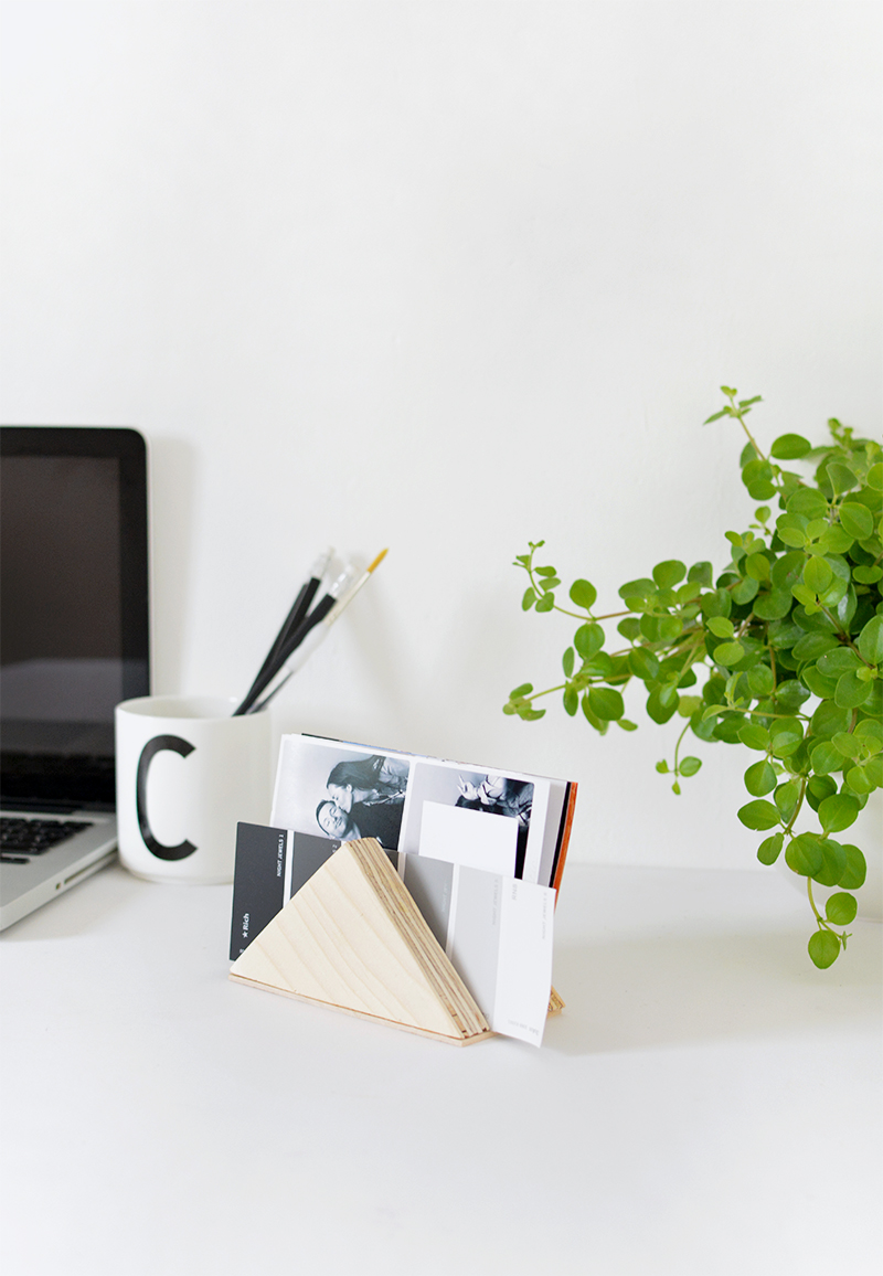 DIY | triangle desk tidy