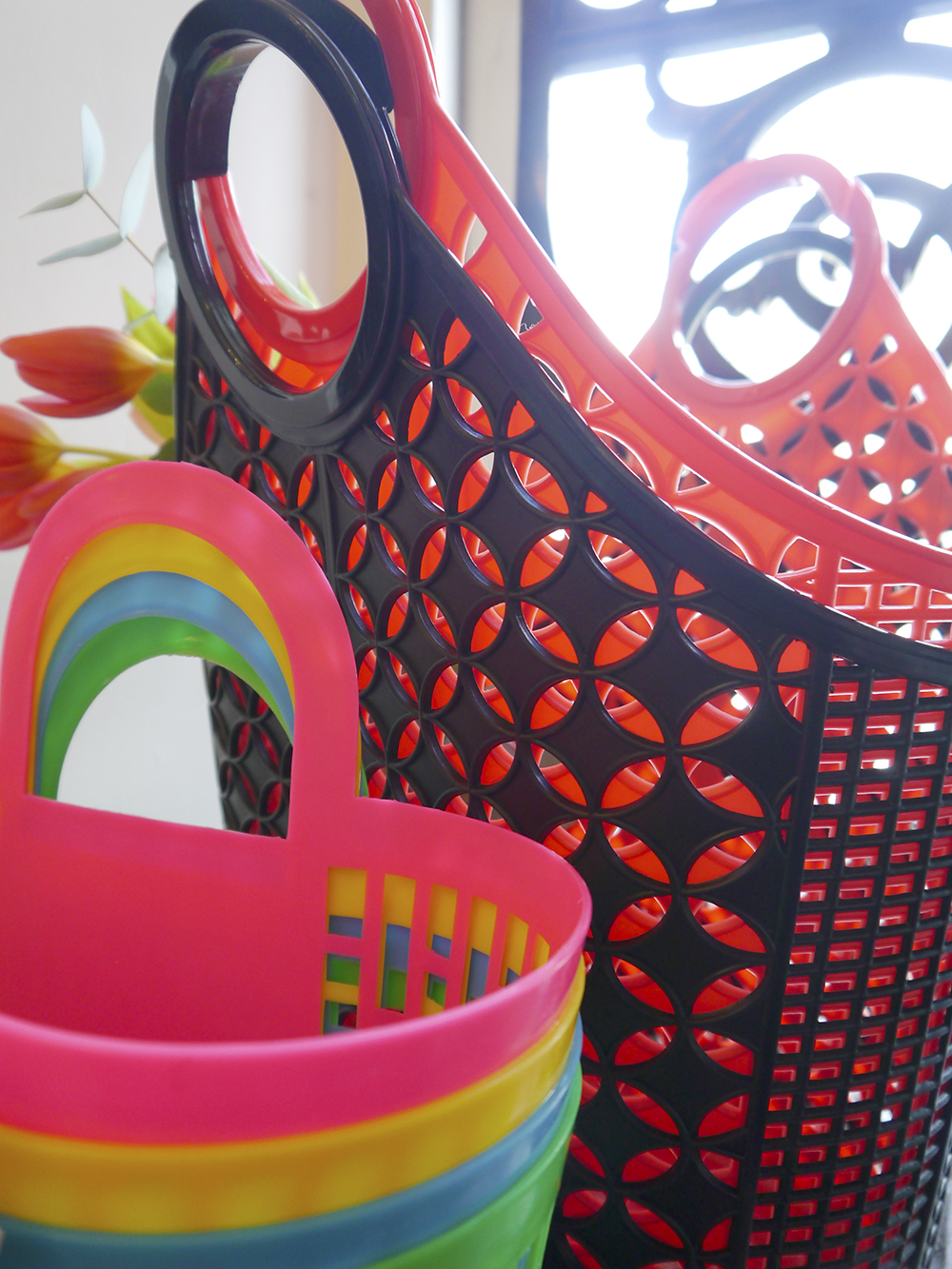 Sun Jellies, plastic baskets, retro bags, vintage style bas, colourful bags, Scottish bloggers, Glasgow, afternoon tea, The Butterfly and the Pi Glasgow, cute bags, neon bags