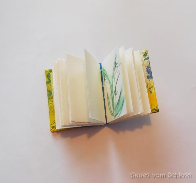 Frühlings-mail-art, Minibuch, Mittwochs mag ich- neuesvomschloss.blogspot.de