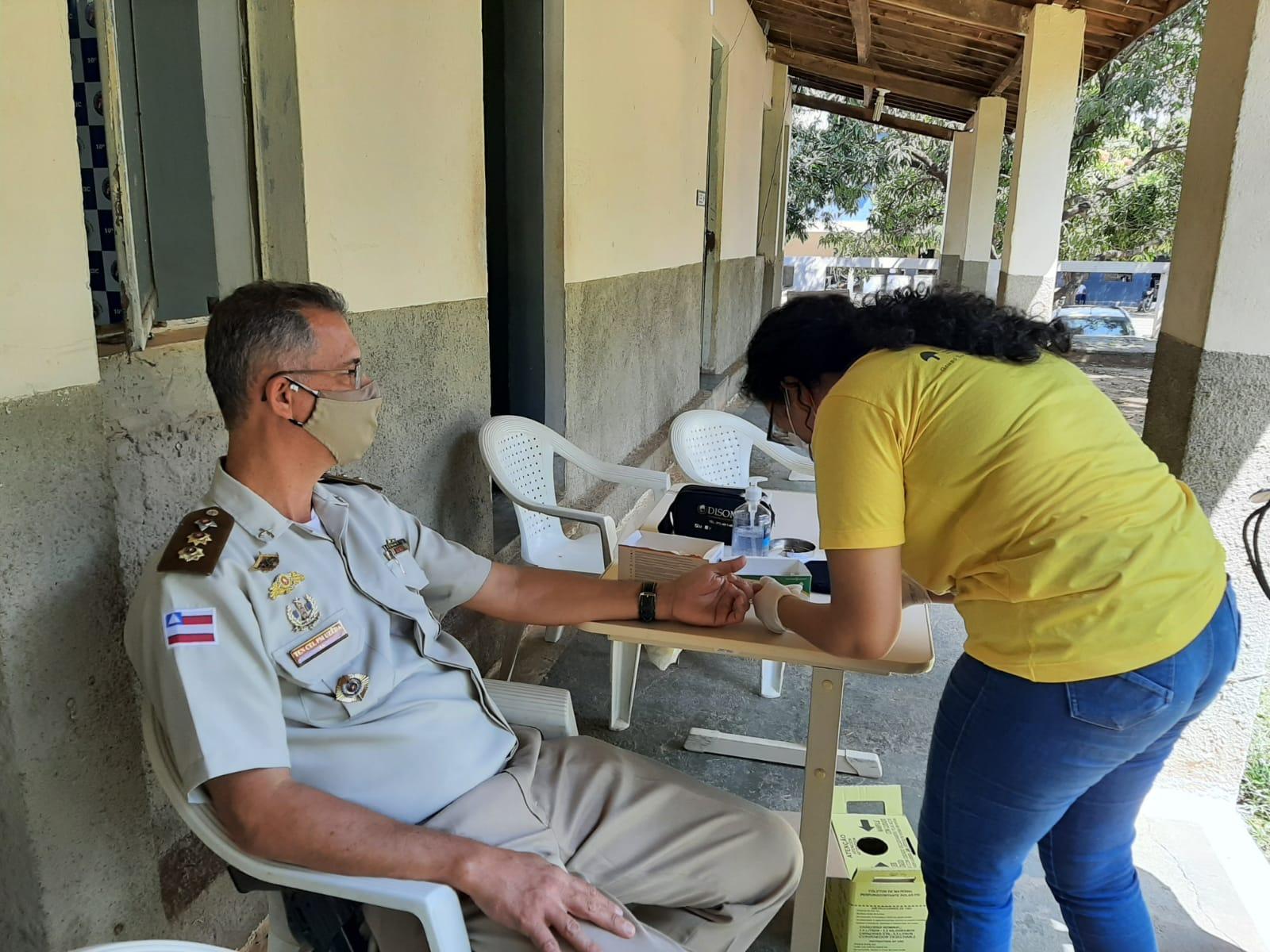 Policiais Militares de Barreiras recebem atendimentos de saúde