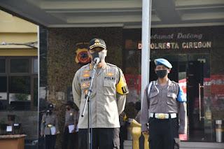 Kapolresta Cirebon Pimpin Apel Pendistribusian Bansos Beras 10 Ton  Untuk Masyarakat Terdampak Covid-19 di Kabupaten Cirebon