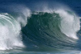 http://vnoticia.com.br/noticia/1877-alerta-frente-fria-que-chegou-a-regiao-deixa-mar-agitado