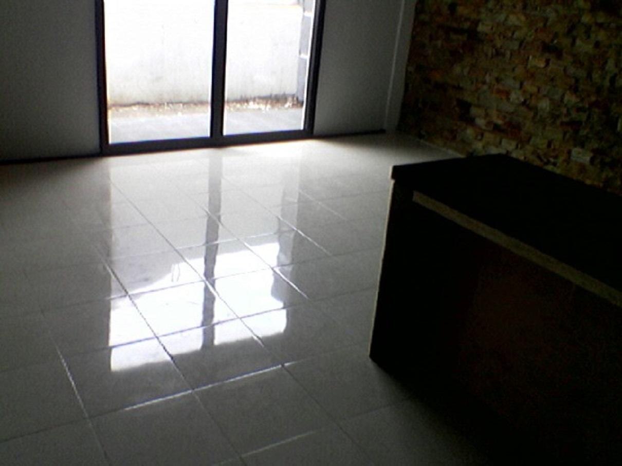 hasil proyek bangun dapur dengan atap dak tempat jemur milik Bpk Peter Djukardi di cluster Panorama pamoyanan Hijau, Bogor tahun 2009