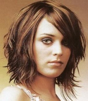 Potongan rambut pendek sebahu layer