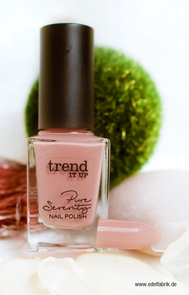 Nude Nagellack aus der trend IT UP Pure Serentiy Limited Edition, Swatch