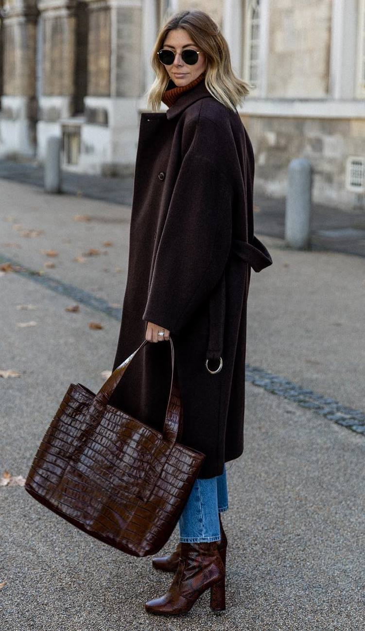 cozy fall outfit idea / coat + boots + crocodile bag + jeans