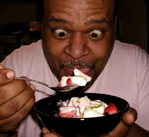 6 hal tidak boleh dilakukan sehabis makan