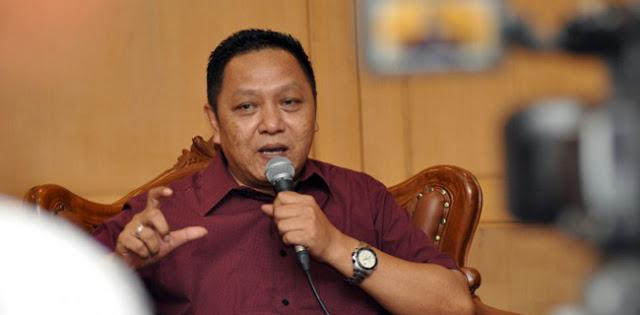 Tak Masalah Turunkan Baliho, Persoalan Muncul Saat Ada Yang Memuji TNI Karena Dianggap Lebih Hebat Dari Satpol PP