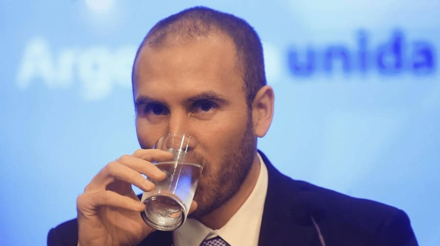 """Guzmán aseguró que """"no habrá devaluación"""" pese a la brecha con el """"blue"""""""