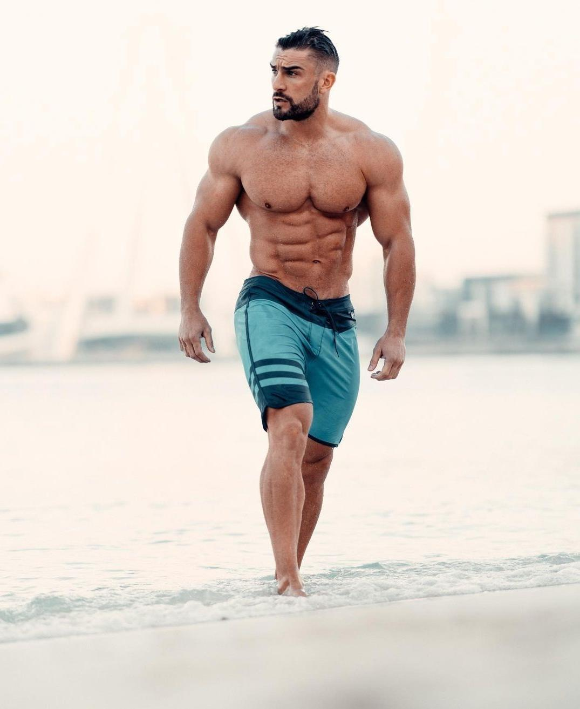 huge-muscular-daddy-ryan-terry-fit-beefcake-dilf-shirtless-beach-body-masculine-alpha-hunk