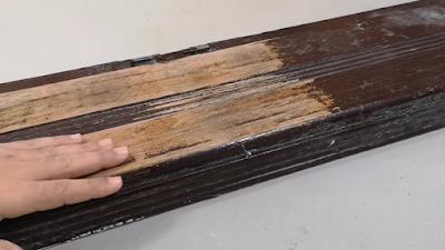 سطح قطعة الخشب بعد إزااة الدهان بإستخدام بشبوري اللهب