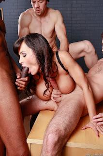 Lisa Ann : Dangerous Minds With Dangerous Dicks ## BRAZZERS z6rt0c81sd.jpg