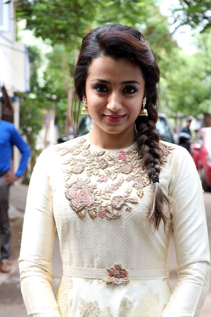 trisha krishnan age, hd photos wallpapers download, beautiful images heroines
