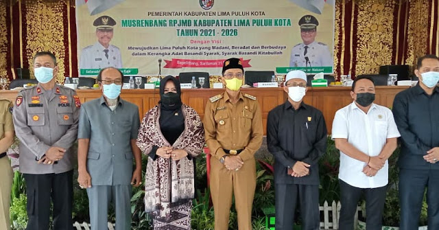 Buka RPJMD Lima Puluh Kota, Safaruddin Undang Rezka Oktoberia dan Tim Ahli.lelemuku.com.jpg