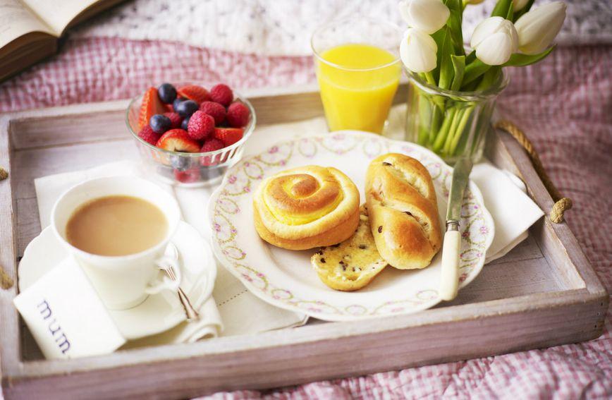 doručak-mlijeko-žitarice-voće