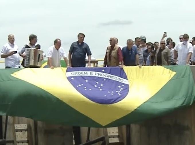 Bolsonaro viaja a Pernambuco para participar do início de testes de obra de abastecimento no Sertão